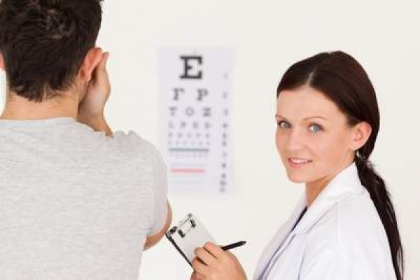 buying contact lenses